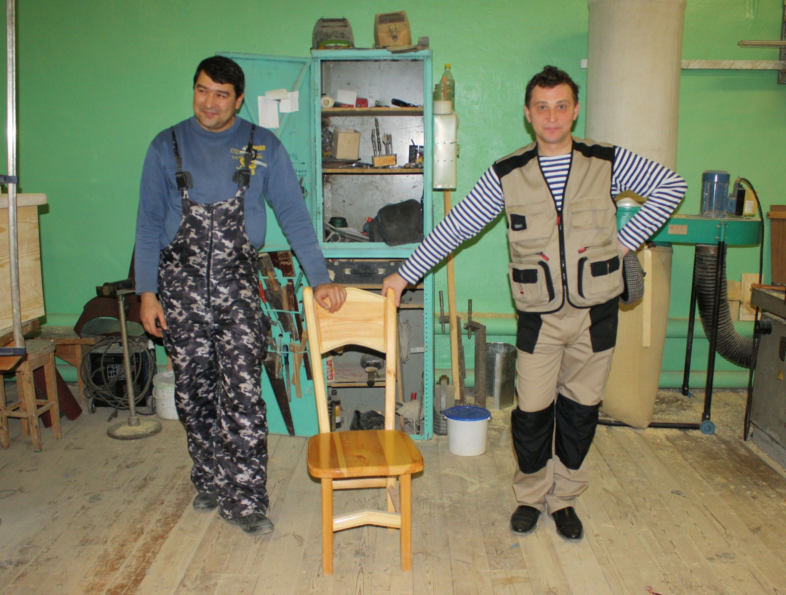 работа для пенсионера 70 лет в москве