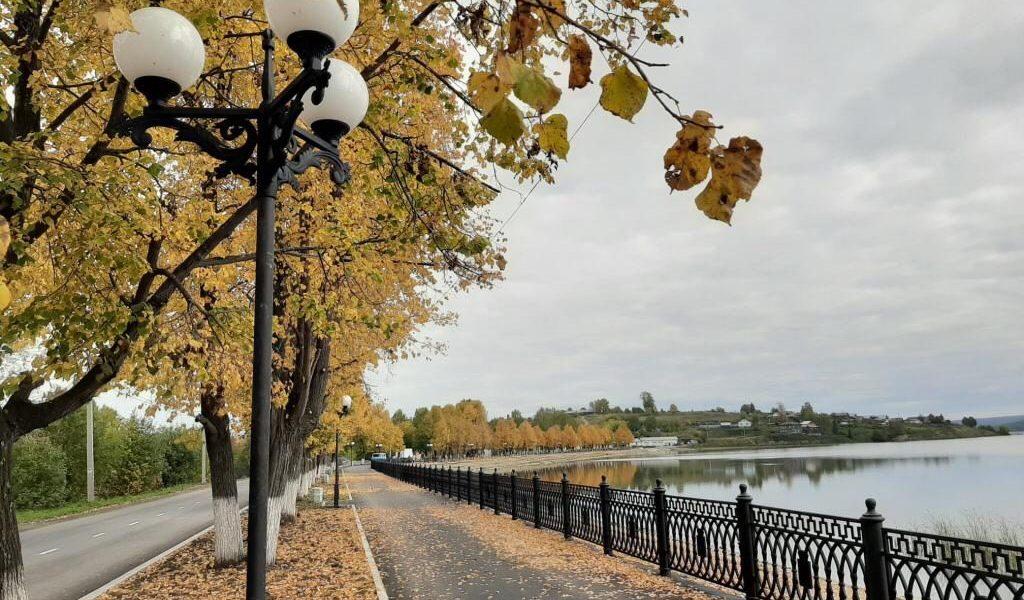 В Бисерти открылась набережная городского пруда, что позволит привлечь в территорию туристов и новых предпринимателей