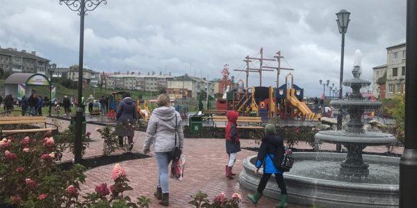 В рабочем поселке Пионерский по нацпроекту «Жилье и городская среда» построили Спортивный парк отдыха
