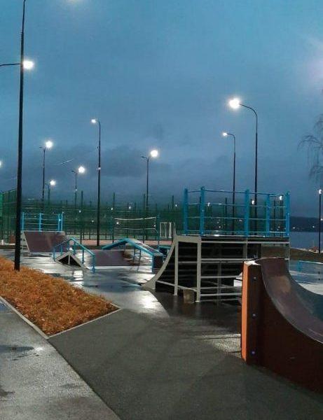 В Верхнем Тагиле после благоустройства по нацпроекту «Жилье и городская среда» открыли Набережную огней