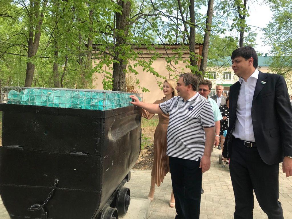 В поселке Малышева открылся реконструированный по нацпроекту «Жилье и городская» парк культуры и отдыха