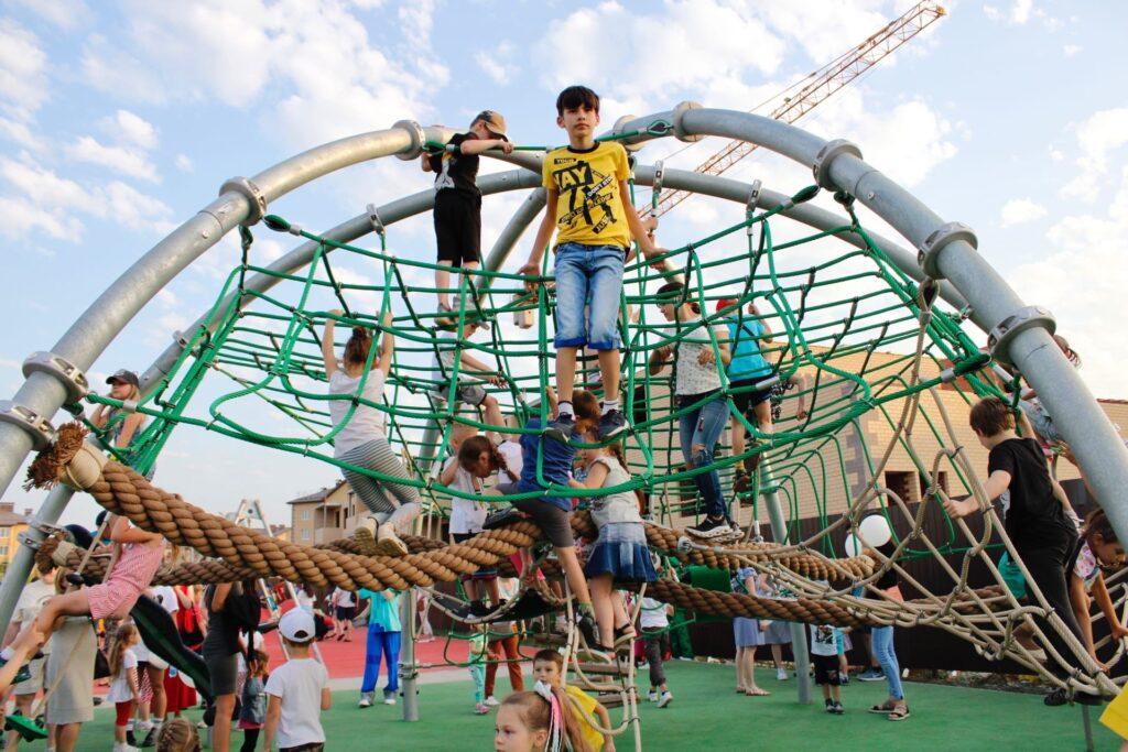 В Берёзовском благодаря нацпроекту «Жилье и городская среда» появилась комфортная общественная территория